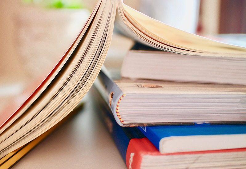 books-2012936_960_720