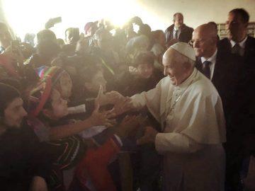Papa Francesco: «Entro in Milano come sacerdote<br>al servizio del popolo»