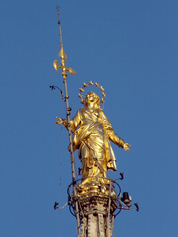 Madonnina_Duomo