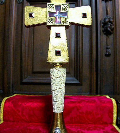 Duomo Cattedrale reliquiario Croce Creperio