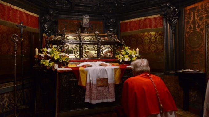 pontificale san carlo 20165