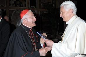 Al Papa la prima copia delle catechesi preparatorie