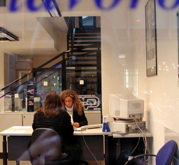Milano, sportello di  lavoro interinale.©TAMTAM-Pagliarulo