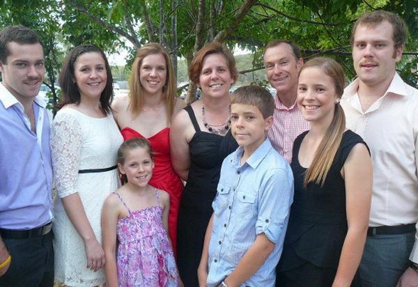 Mark e Ursula Boyd con la loro famiglia
