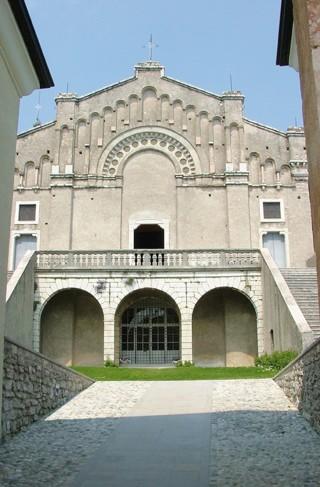 Il Santuario di Montecastello