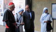 Madre Teresa mostra fotografica