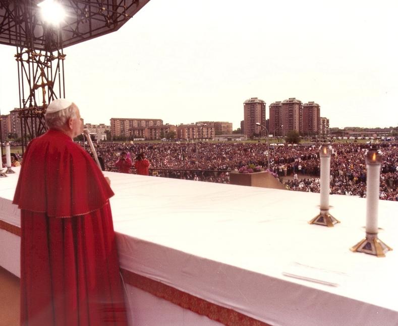 Giovanni Paolo II_Gallaratese