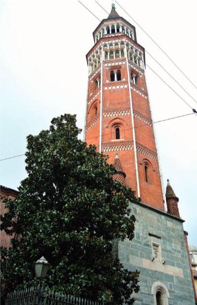 Milano, San Gottardo in Corte: veduta del campanile
