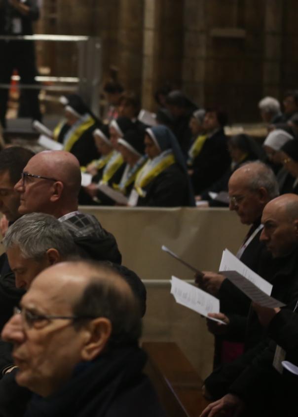 Papa e preti in Duomo