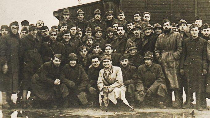 Gruppo di militari italiani internati
