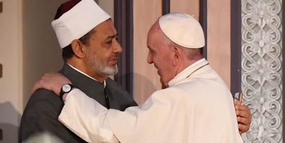 L'incontro tra Papa Francesco e l'imam al Tayyeb all'Università di al Azhar