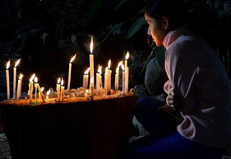 ragazze preghiera