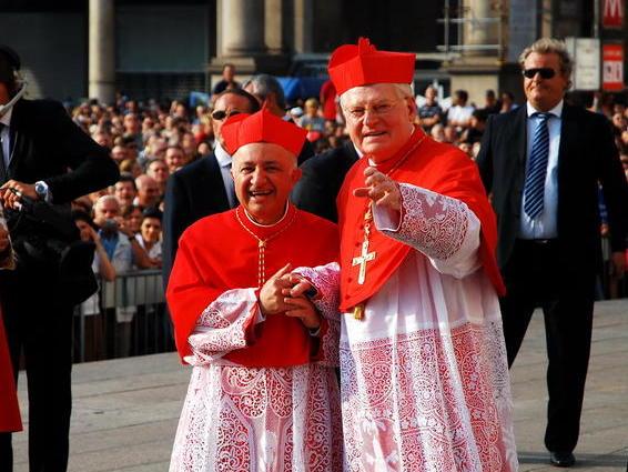 L'ingresso in Diocesi del cardinale Scola: L'ARRIVO IN PIAZZA DUOMO