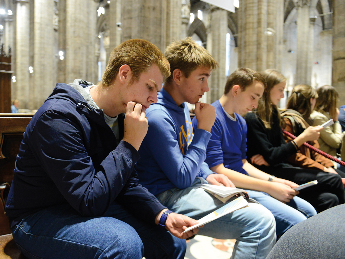 giovani esercizi duomo preghiera