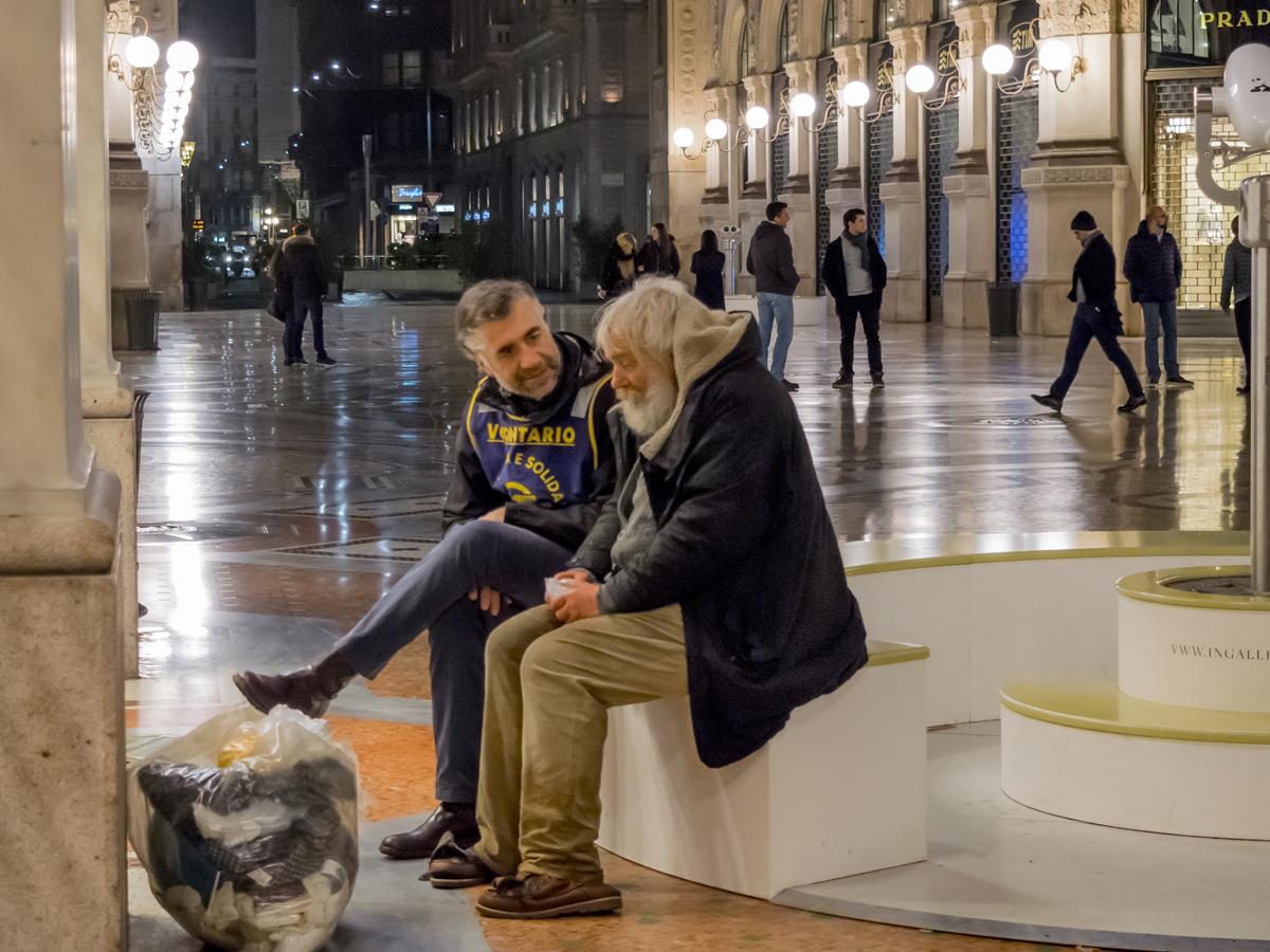 Volontari Ronda carità senza tetto senza dimora