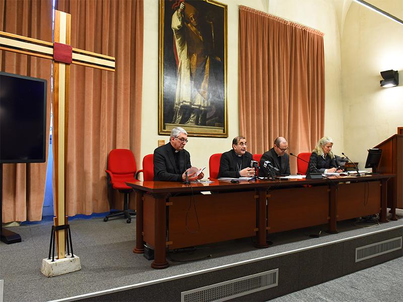 conferenza stampa Sinodo minore