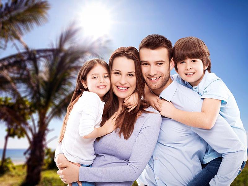 family-3400033_960_720