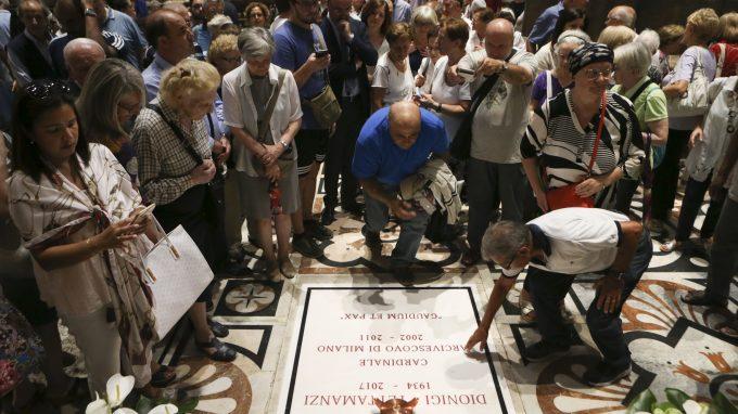 MESSA IN DUOMO DI MARIO DELPINI PER L'EX CARDINALE DEFUNTO DIONIGI TETTAMANZI