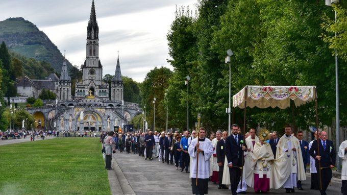 processione eucaristica-01