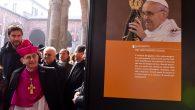 arcivescovo visita mostra su papa bergoglio_AFBN
