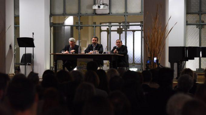 dibattito tra l'Arcivescovo e Filippo Grandi_ADDE