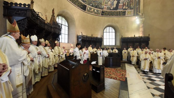 pontificale sant ambrogio (D)