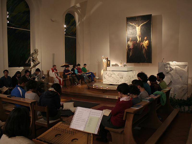 Giovani-in-preghiera
