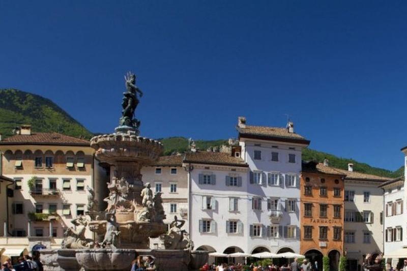 Trento-©-Marco-Simonini-1140x713-810x385 Cropped
