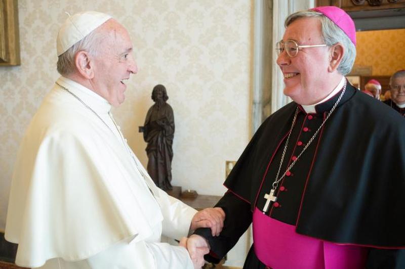 Papa Francesco e monsignor Jean Claude Hollerich SJ, presidente della Comece