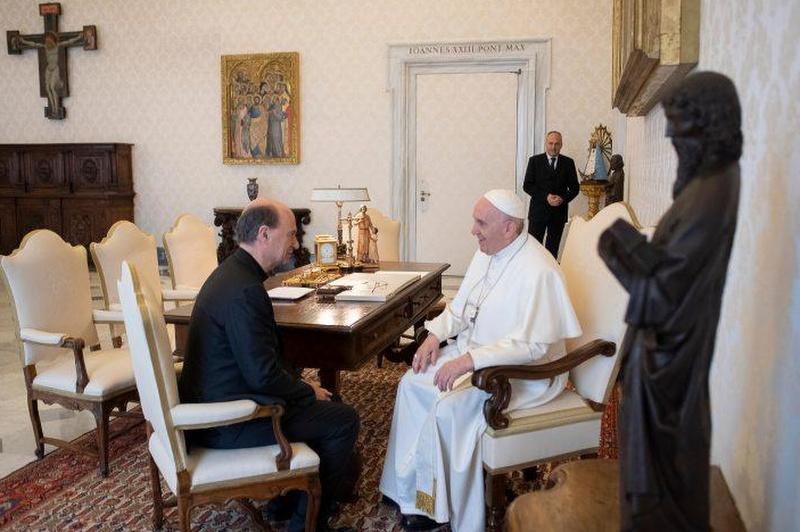 Russo e papa Francesco
