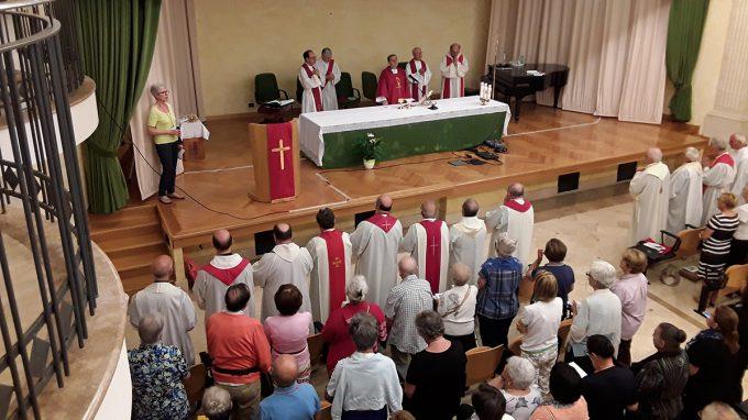 familiari del clero