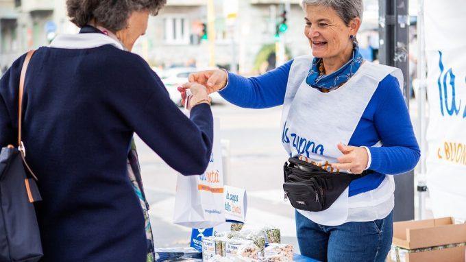 volontari per Zuppa della Bontà_Progetto Arca_1 Cropped