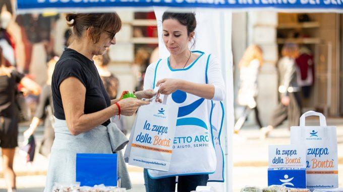 volontari per Zuppa della Bontà_Progetto Arca_2 Cropped