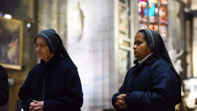 pontificale immacolatA_AAYU