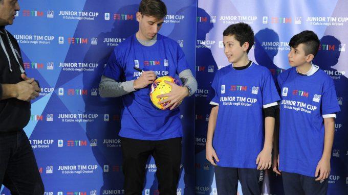Junior TIM Cup Milano Biglia firma pallone