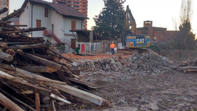 Son cantiere 2 Cropped