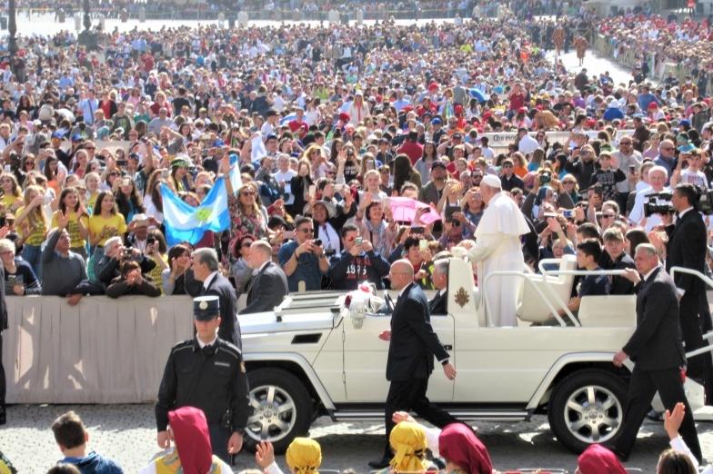 Papa Francesco in piazza