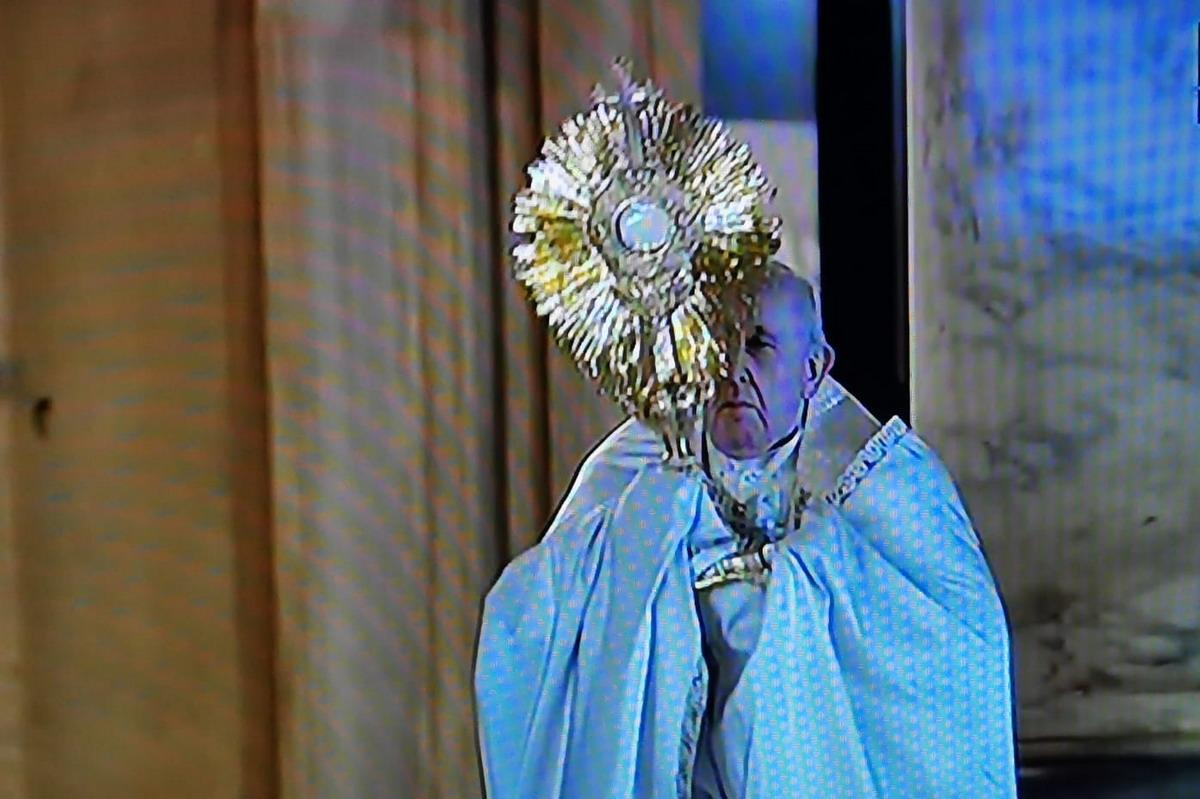 papa preghiera per umanita coronavirus WAAABW