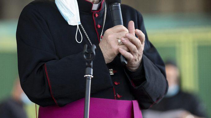 Sua Eccellenza Arcivescovo Monsignor Delpini fa visita ai lavoratori del Mercato Agroalimentare di Milano.