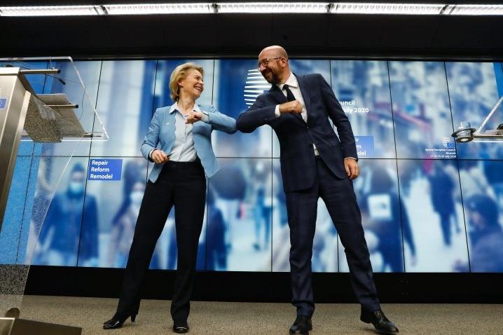 Michel e Von der Leyen al termine del Consiglio europeo foto SIRConsiglio Ue