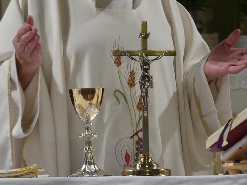 sacerdote1