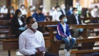 stranieri-chiesa-mascherina