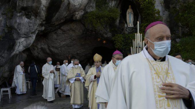 Lourdes 23 Grotta di Massabielle