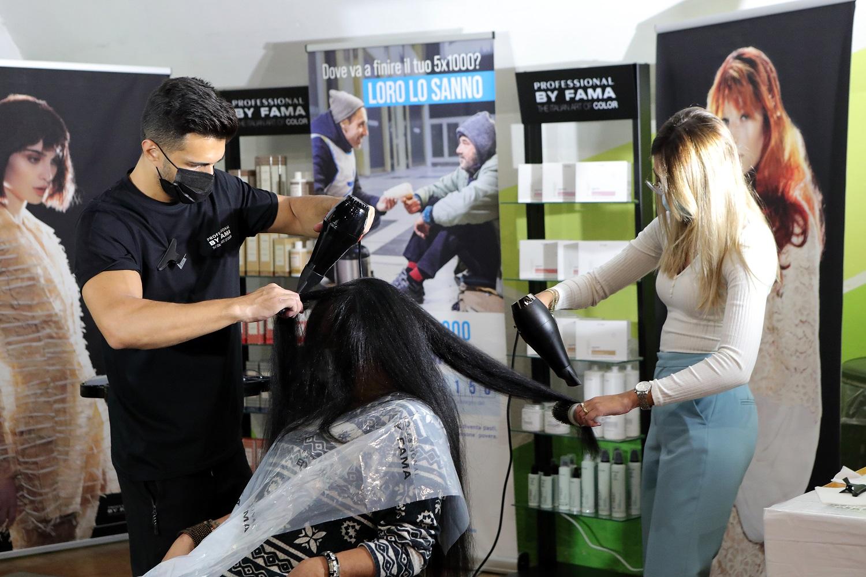 Progetto Arca_tagli di capelli a senzatetto_PBF_12